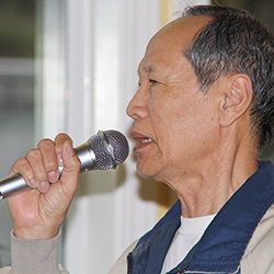 Man singing Kareoke